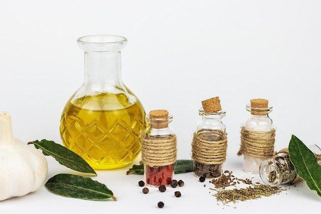 oil-huiles-essentielles-aromatherapie